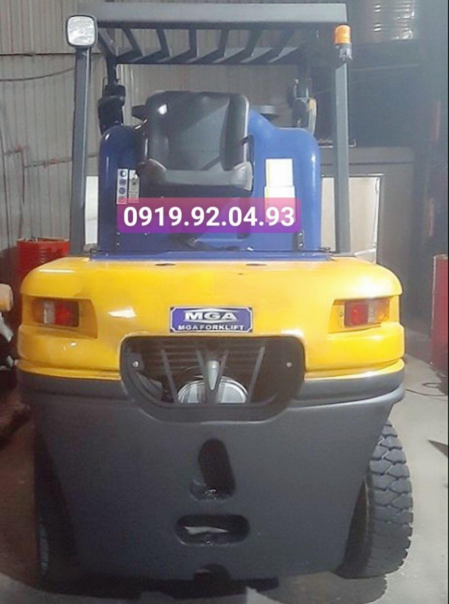 Xe nâng dầu MGA model MGA-4.5T
