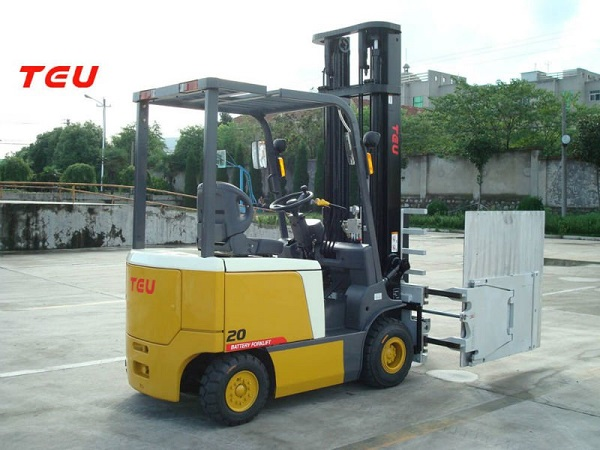 2ton-battery-forklift-with-Carton-clamp_-08-03-2019-15-39-35.jpg