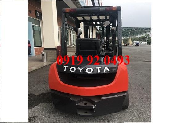 Xe nâng Toyota 2.5 tấn 8FD25 cũ