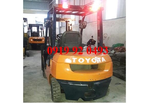Xe nâng Toyota 2.5 tấn 7FD25 cũ